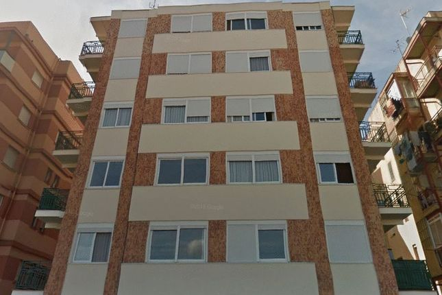 Thumbnail Block of flats for sale in Av. De L'argentina, 15, 43005 Tarragona, Spain