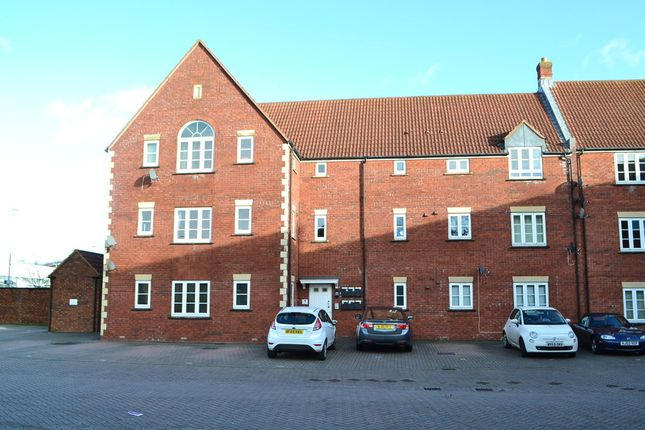 2 bed flat to rent in Houndstone Area, Yeovil, Somerset