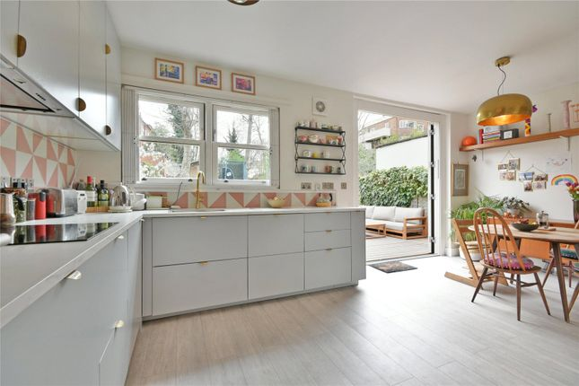 3 bed flat for sale in Minster Road, West Hampstead Borders NW2