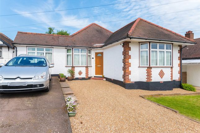 Thumbnail Bungalow for sale in Kingsmead, Cuffley, Potters Bar, Hertfordshire