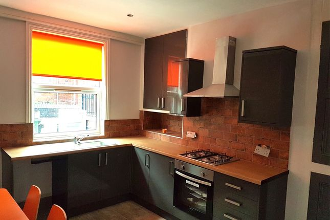 Thumbnail Terraced house to rent in Royal Park Road, Hyde Park, Leeds