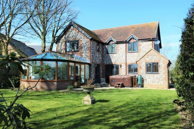 4 bed detached house for sale in Chinnor Road, Bledlow Ridge, High Wycombe