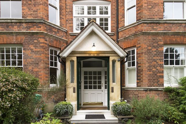 Thumbnail Flat to rent in Highgate West Hill, London
