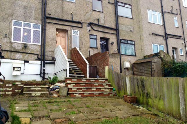 Thumbnail Flat for sale in Mersham Road, Thornton Heath, Surrey