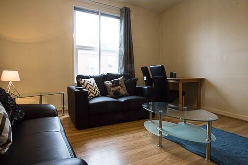 Thumbnail Flat to rent in Flat 1, 396 Kirkstall Road, Burley