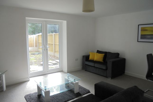 Thumbnail Town house to rent in Queens Court Close, Etruria Road, Basford, Stoke On Trent