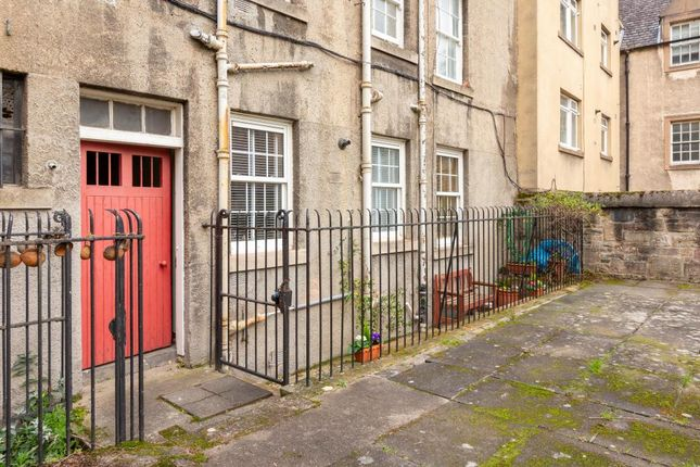 Thumbnail Flat for sale in 206/1 Canongate, Old Town