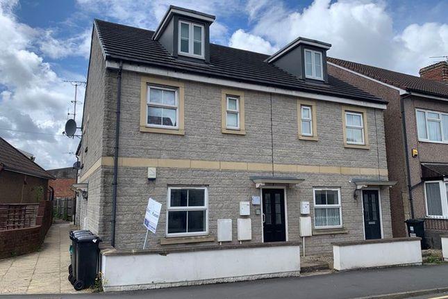 Thumbnail Flat to rent in Maypole Square, Church Road, Hanham, Bristol
