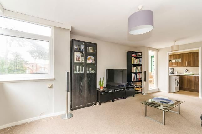 Lounge of Bassett Avenue, Southampton, Hampshire SO16