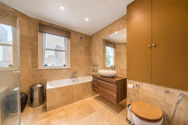 Family Bathroom of Somerset Road, London W4