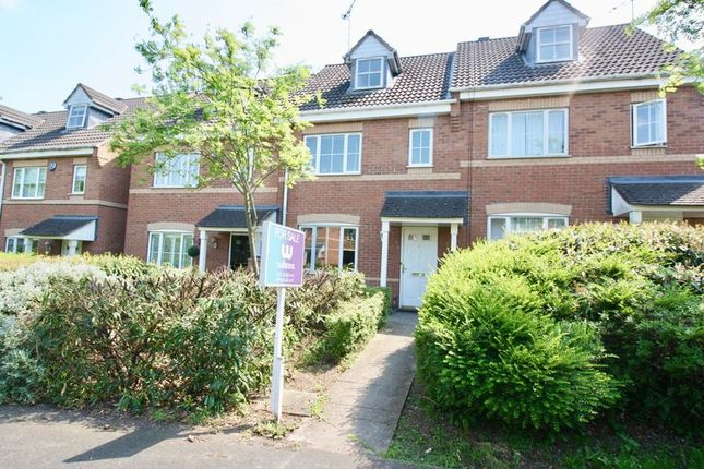 Thumbnail Town house for sale in Peckstone Close, Cheylesmore
