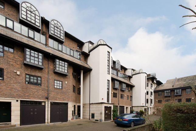 Thumbnail Flat to rent in Rope Street, Swedish Quays
