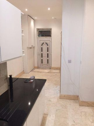 Thumbnail Flat to rent in Croydon Road, Beckenham, London