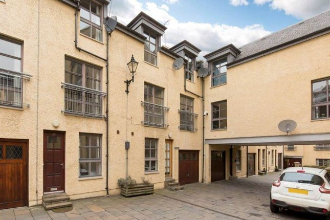 Thumbnail Town house to rent in Old Tolbooth Wynd, Old Town, Edinburgh