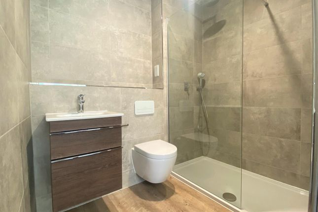 En Suite of Brackens Way, Martello Road South, Canford Cliffs, Poole BH13