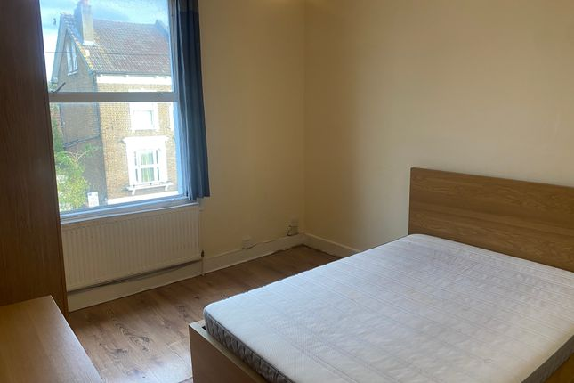 Thumbnail Flat to rent in Alexandra Road, Croydon