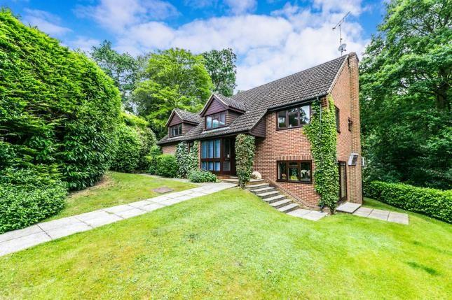 Thumbnail Detached house for sale in Sandhurst, Berskshire