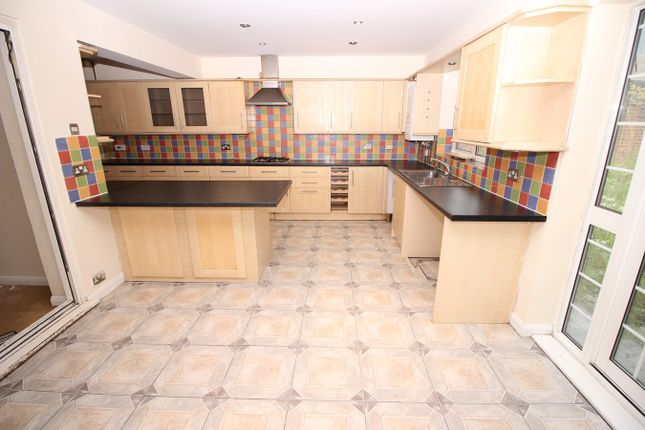 Thumbnail Semi-detached house to rent in Fairmead Close, Hounslow