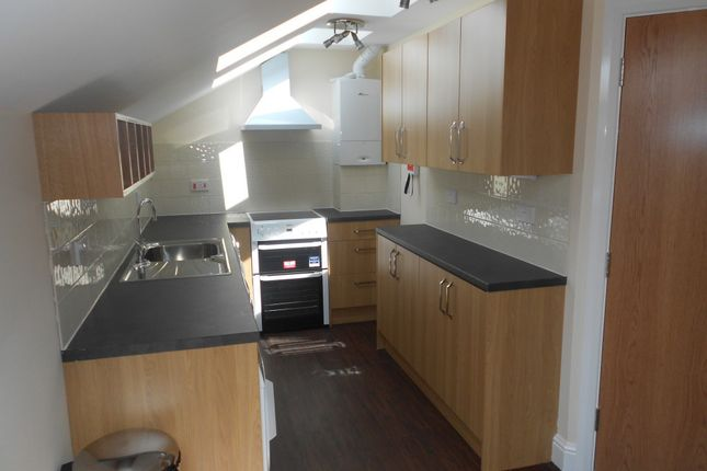 Thumbnail Flat to rent in School Passage, Central Kingston Upon Thames, Kingston Upon Thames