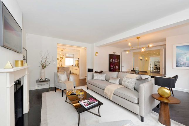 Thumbnail Flat for sale in Whiteheads Grove, London