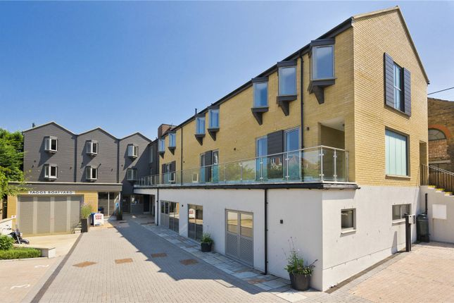 Thumbnail Flat for sale in Summer Road, Thames Ditton, Surrey