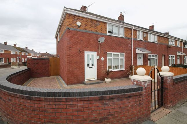 Thumbnail Town house for sale in Broad Hey, Bootle
