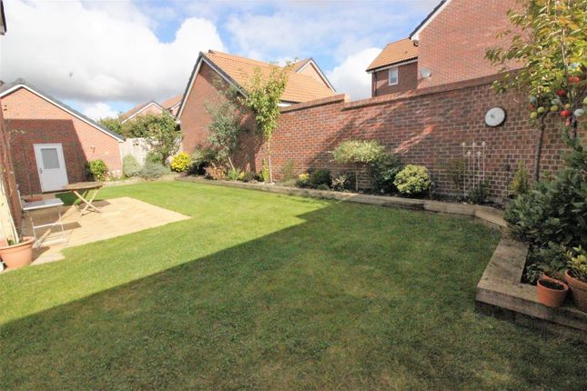 Garden of Hewlett Place, St Andrews Ridge, Swindon SN25