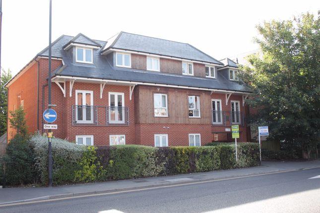 2 bed flat for sale in Bridge Avenue, Maidenhead