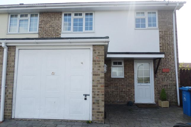 Thumbnail Property to rent in Hewitt Road, Hamworthy, Poole