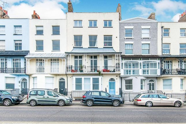 Thumbnail Flat for sale in Paragon, Ramsgate