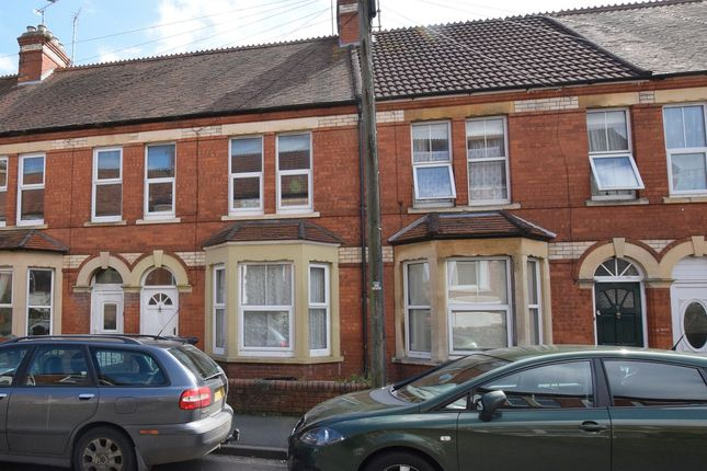 Thumbnail Flat for sale in Crofton Avenue, Yeovil, Somerset