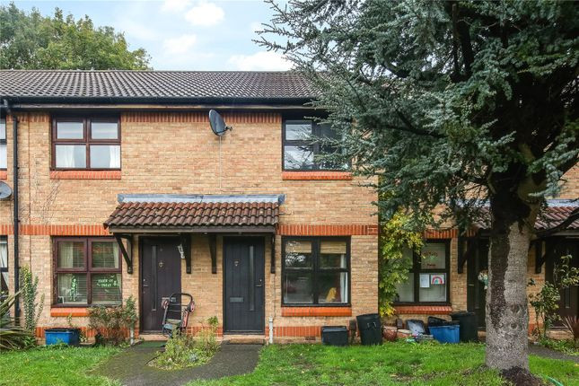 2 bed terraced house to rent in Trafalgar Place, Hermon Hill, London E11