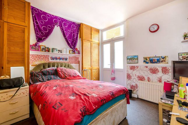 Thumbnail Flat to rent in Ivydale Road, Peckham