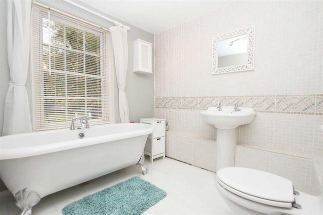 Bathroom of The Green, West Drayton UB7