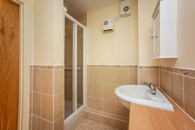 Bathroom of Hoxton Close, Singleton, Ashford TN23
