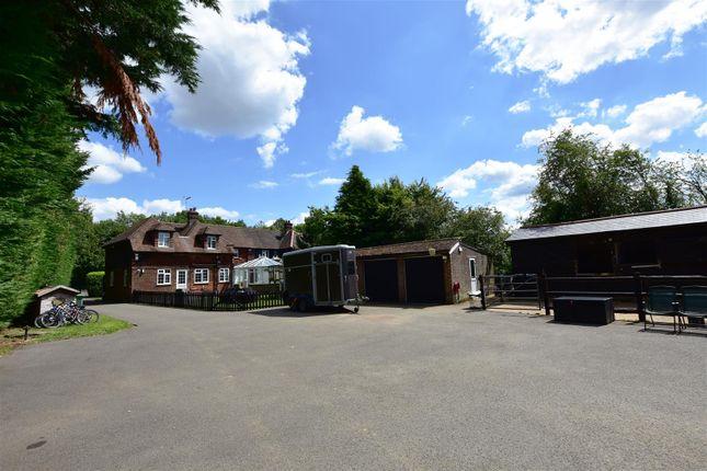 Drive of Wrotham Road, Meopham, Gravesend DA13