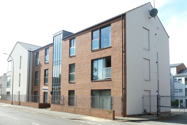 2 bed flat to rent in Old School Court, Eastfield Road, Louth LN11