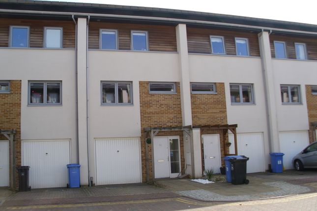 Thumbnail Town house to rent in Broomhill Way, Poole