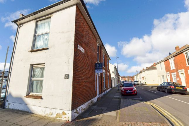 4 bed end terrace house to rent in Cornwall Road, Portsmouth, Hampshire PO1