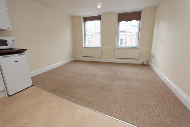 Thumbnail Flat to rent in High Street, Old Town, Hemel Hempstead