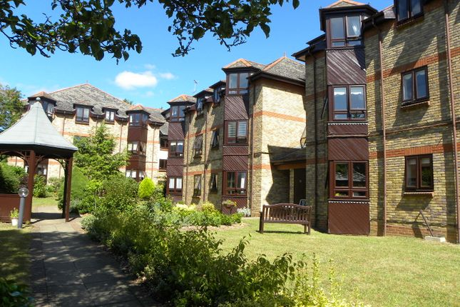 Thumbnail Flat for sale in Hatfield Road, St. Albans, Herts.