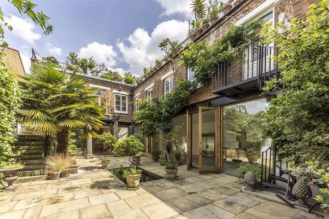 Thumbnail Property to rent in Roman Way, London