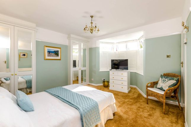 Thumbnail Flat to rent in Saxon Drive, West Acton