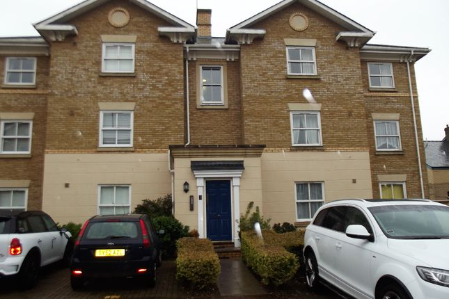 2 bed flat to rent in County Place, Chelmsford