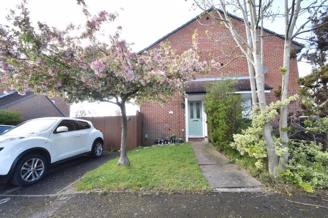 1 bed property for sale in Spayne Close, Luton LU3