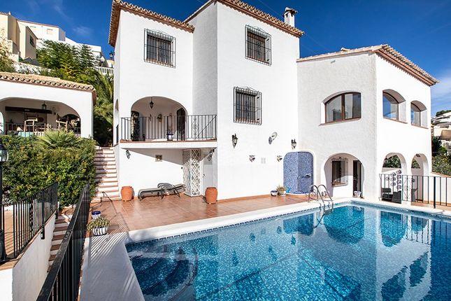 Villa for sale in Adsubia, Valencia, Spain