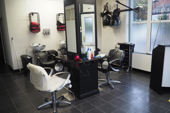 Thumbnail Retail premises for sale in Hair Salons DN21, Lincolnshire