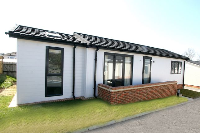 1 bed mobile/park home for sale in Yew Tree Park, Charing TN27