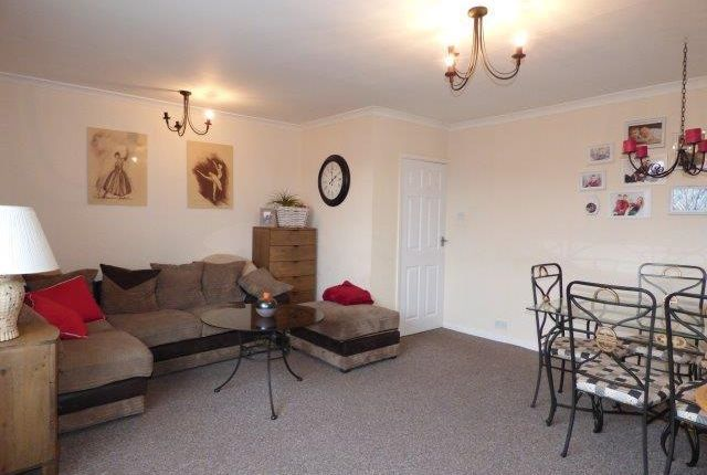 Thumbnail Flat to rent in South Road, Morecambe, Lancashire