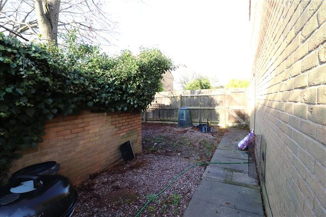 Picture No. 32 of Shirebrook Close, Wood End, Coventry CV2